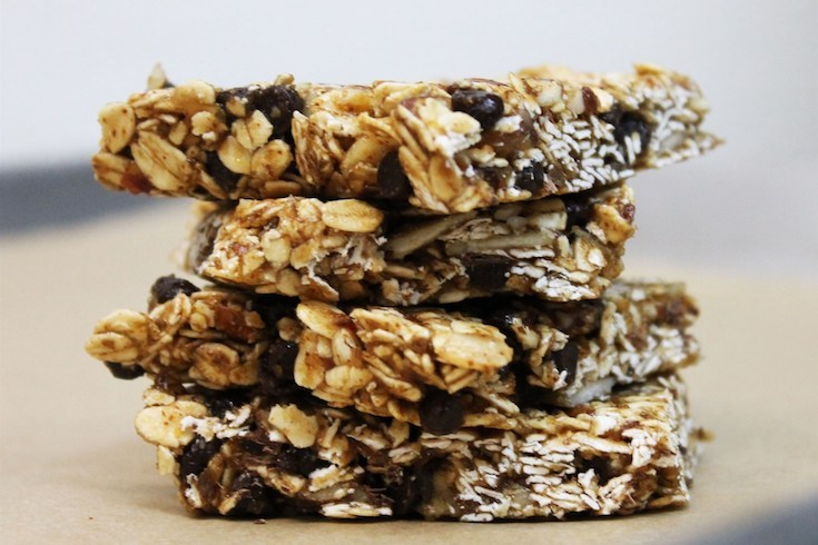 Blueberry-Almond Granola Bar