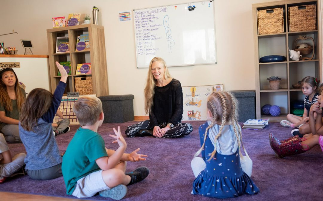 Suzy Amis Cameron, co-founder of MUSE Global early education franchise, with children